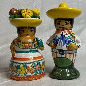 Artisan Studio Mexico man/woman salt/pepper shaker